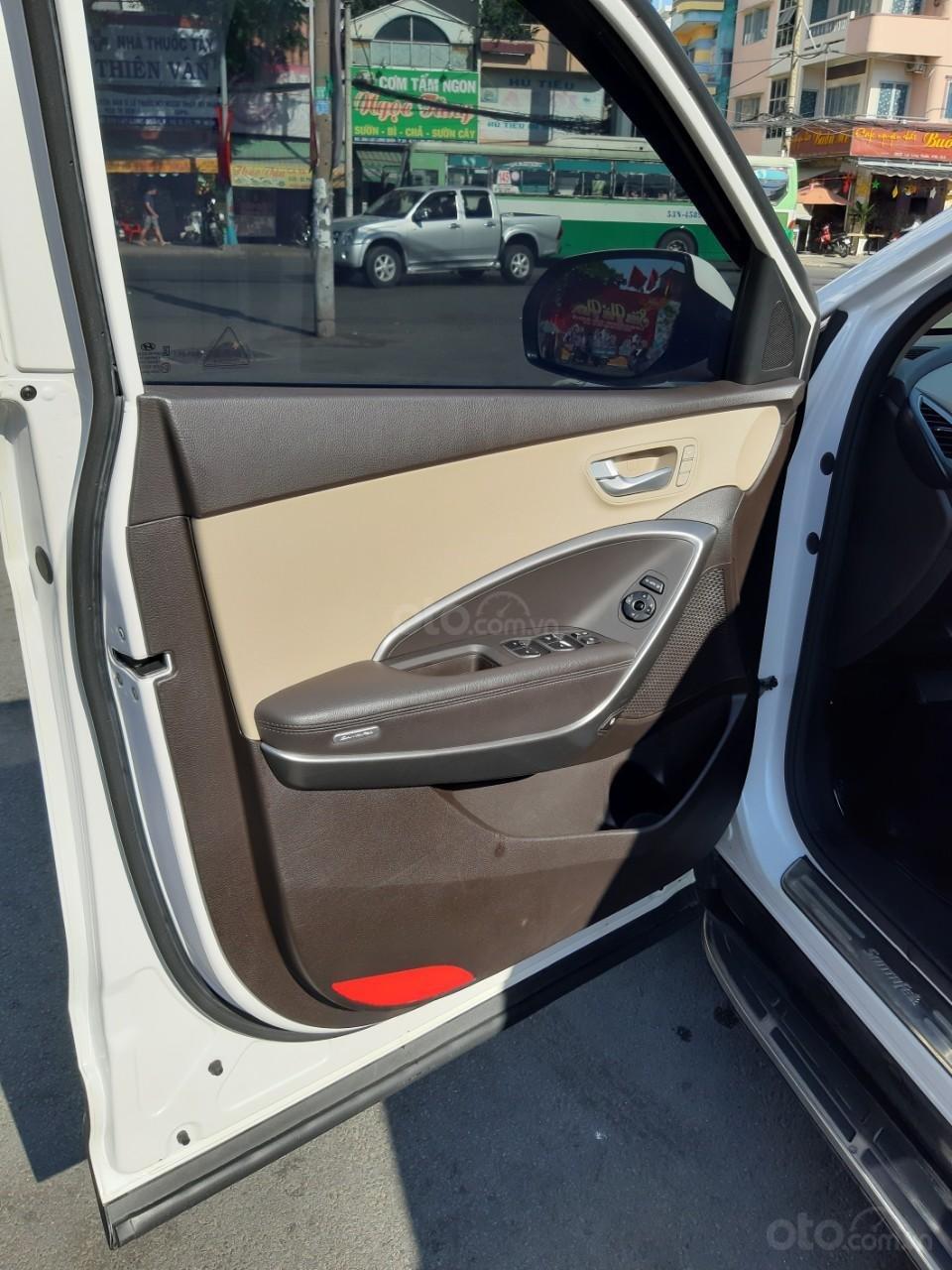 Hyundai Santa Fe CRDi model 2017, màu trắng, nhập khẩu còn mới toanh, full option loại cao cấp nhất, 1 tỷ 50tr-17