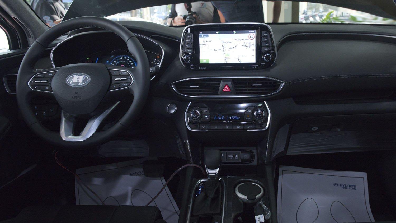 So sánh Hyundai Santa Fe 2019 và Honda CR-V 2019 về nội thất: Xe Hàn Quốc rộng rãi hơn hẳn 10