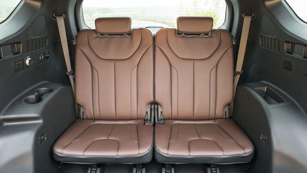 So sánh Hyundai Santa Fe 2019 và Honda CR-V 2019 về ghế ngồi 5