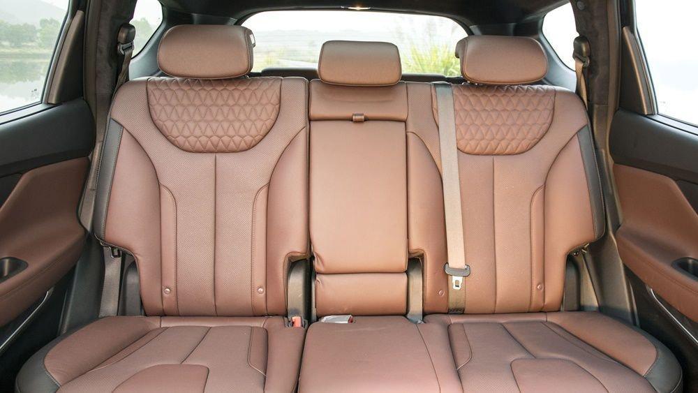 So sánh Hyundai Santa Fe 2019 và Honda CR-V 2019 về ghế ngồi 7