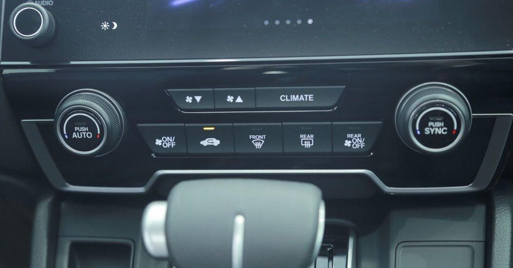So sánh Hyundai Santa Fe 2019 và Honda CR-V 2019 về trang bị giải trí 6