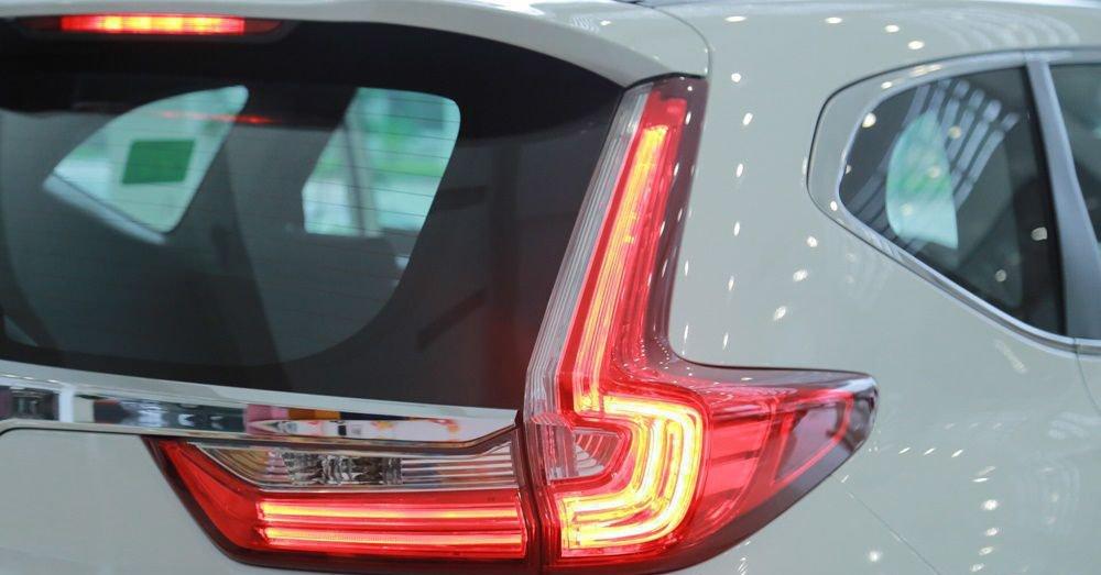 So sánh Hyundai Santa Fe 2019 và Honda CR-V 2019 về trang bị ngoại thất.