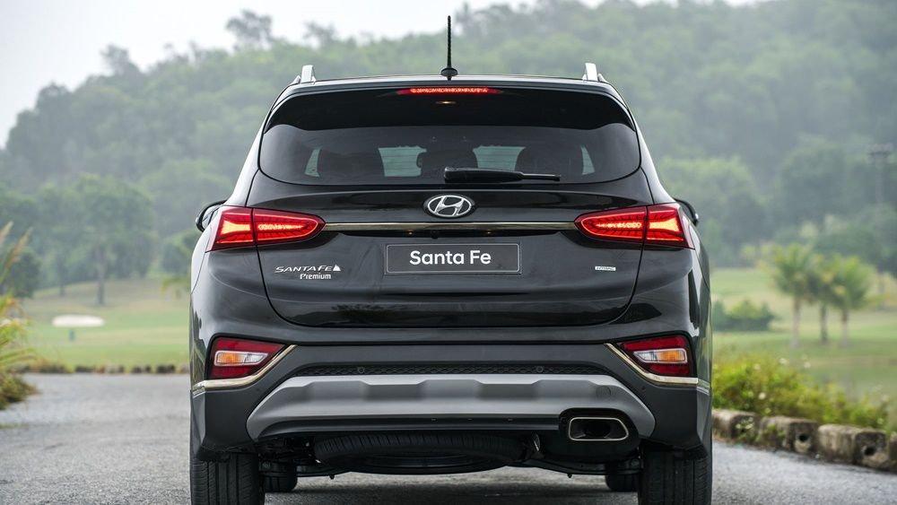 So sánh Hyundai Santa Fe 2019 và Honda CR-V 2019 về trang bị ngoại thất 7