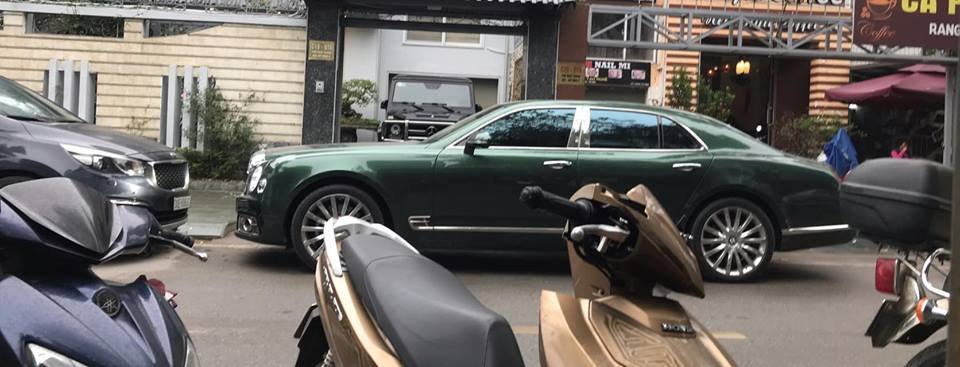 Bentley Mulsanne EWB thứ 3 về Việt Nam