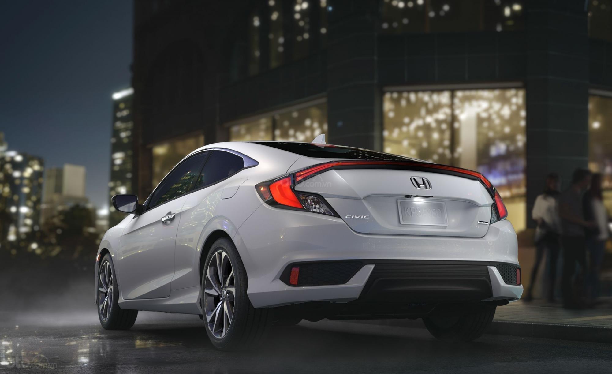 Honda Civic 2019 đuôi xe
