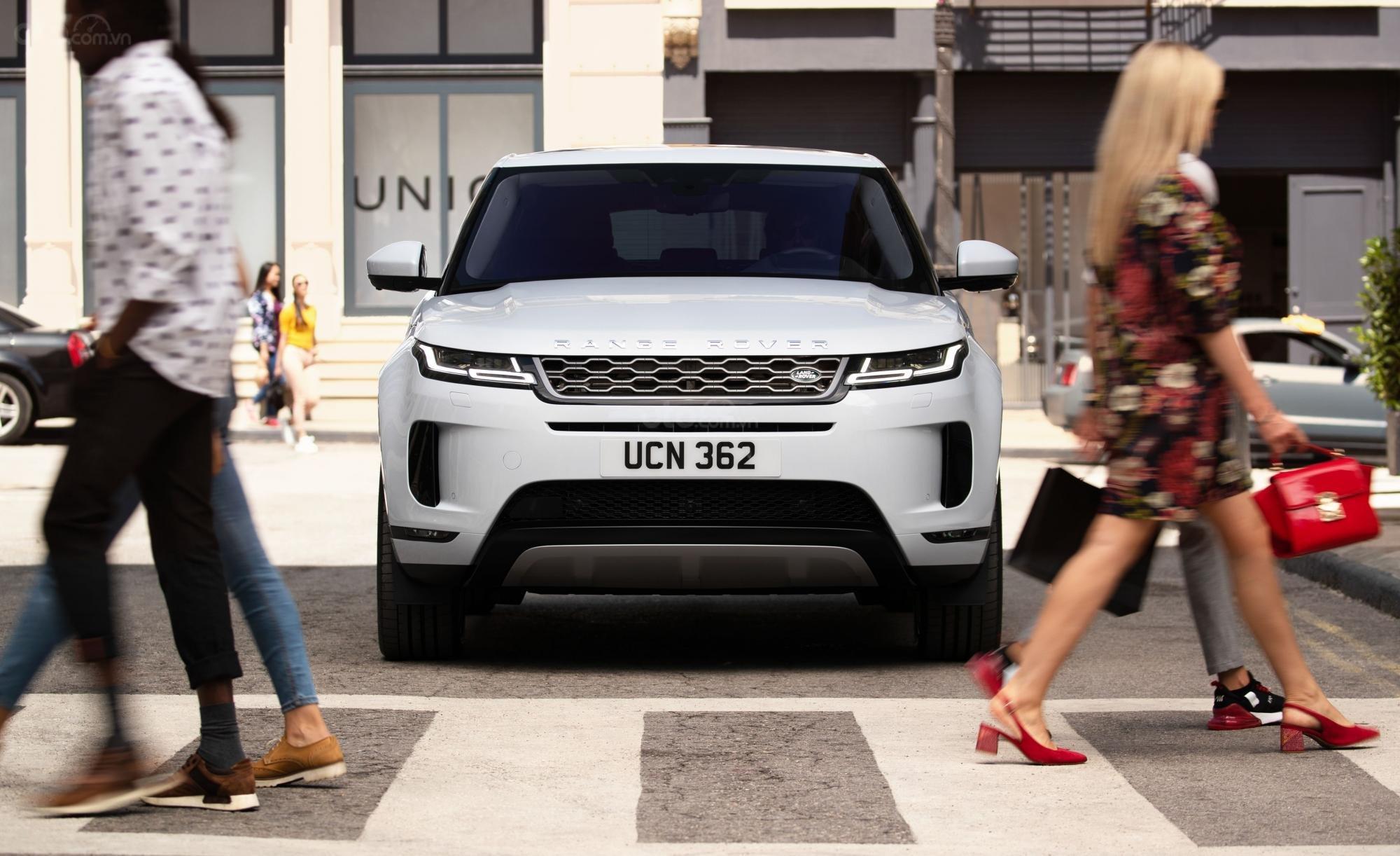 Đầu xe Land Rover Range Rover Evoque 2020