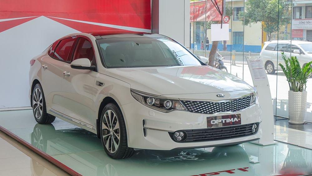 """Tháng """"vàng"""" mua ô tô, nhưng đây là Top xe bán ế tại Việt Nam tháng 1/2019 a3"""