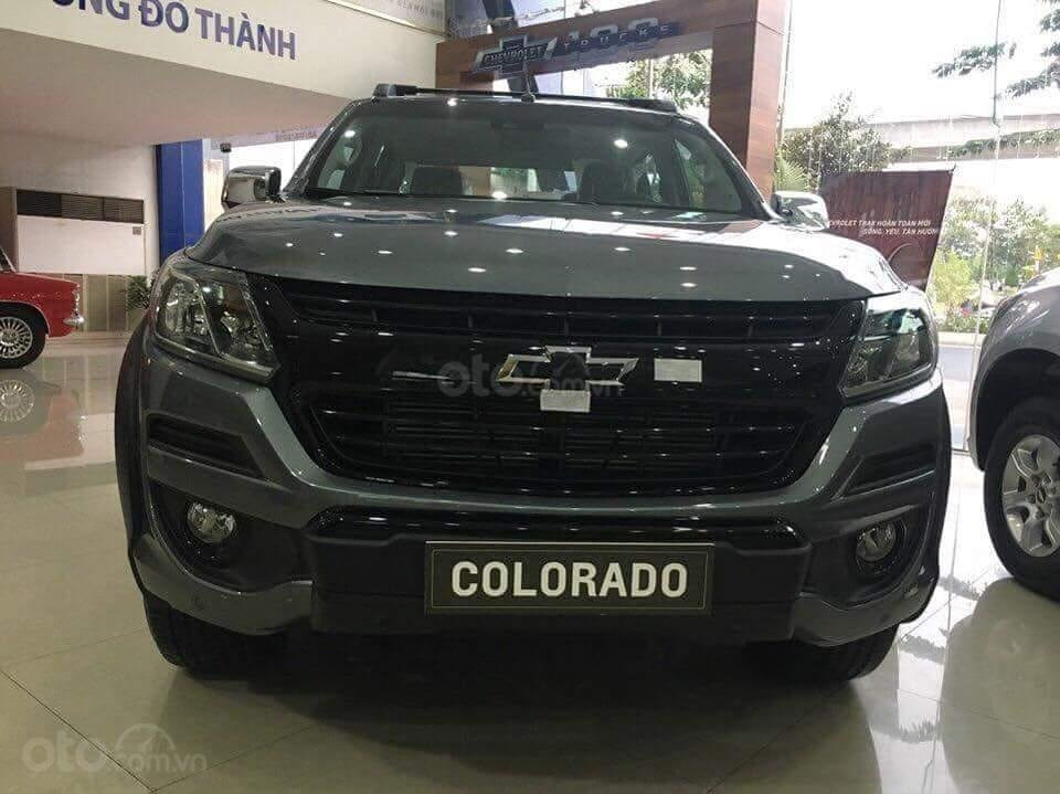 Bán Colorado (2.5VGT) - Số tự động 2 cầu, giá đặc biệt, trả góp 90% - 120tr lăn bánh - đủ màu - LH: 0961.848.222 (2)