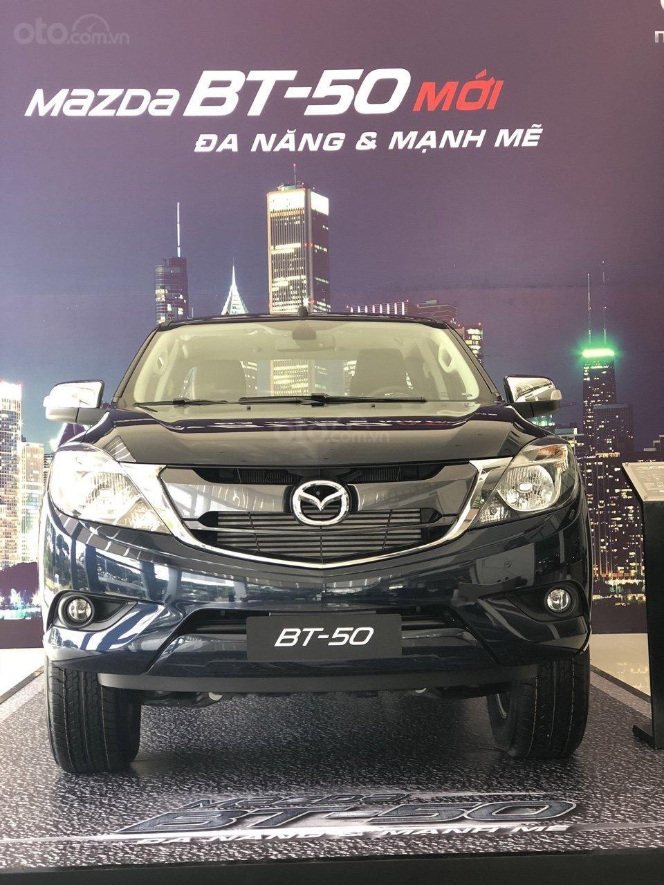 Bán tải BT50 2.2 ATH, giảm tiền mặt + tặng bảo hiểm vật chất khi mua xe trong tháng (1)
