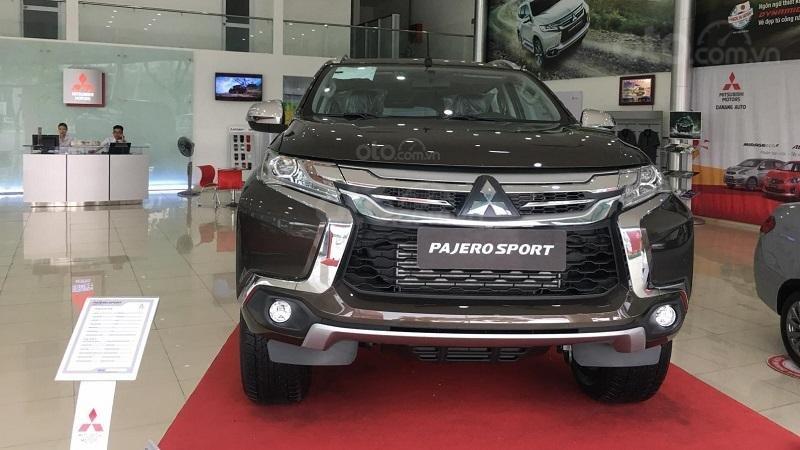 Đầu xe Mitsubishi Pajero Sport 2019 ...