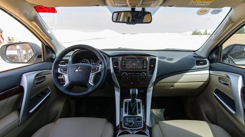 Khoang cabin Mitsubishi Pajero Sport 2019 ...