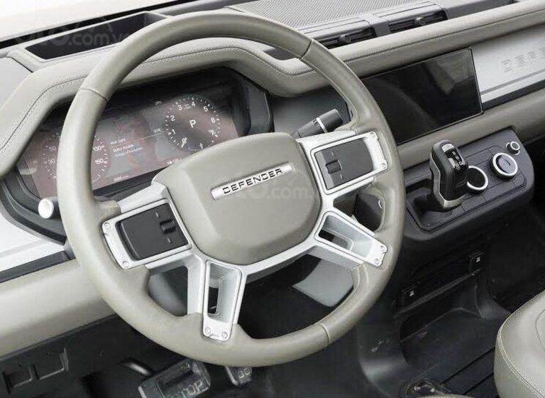 Land Rover Defender 2020 khoe nội thất cứng cáp, hiện đại