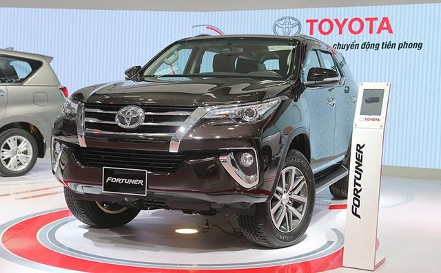 Giá lăn bánh xe Toyota Fortuner 2019 tại Việt Nam, cao bậc nhất phân khúc a2