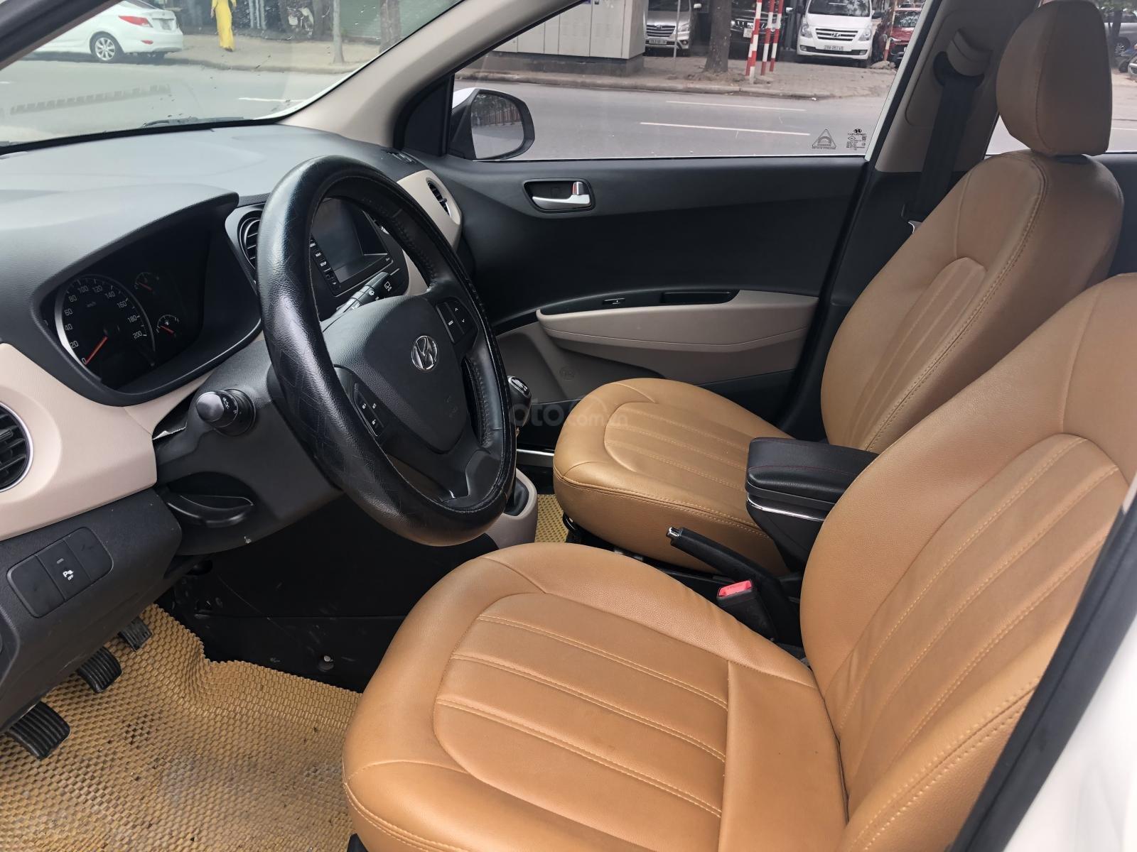 Cần bán Hyundai Grand i10 năm sản xuất 2016, màu trắng, xe nhập số sàn-8