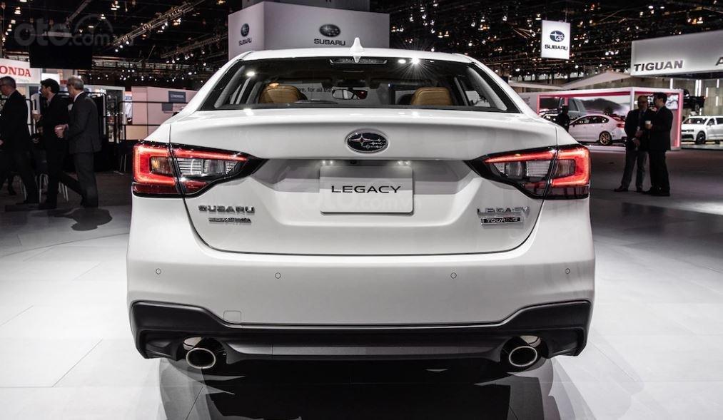 Subaru Legacy 2020 tái định hình đuôi xe