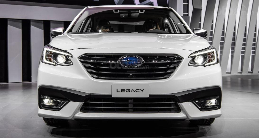 Subaru Legacy 2020 có đầu xe tút lại