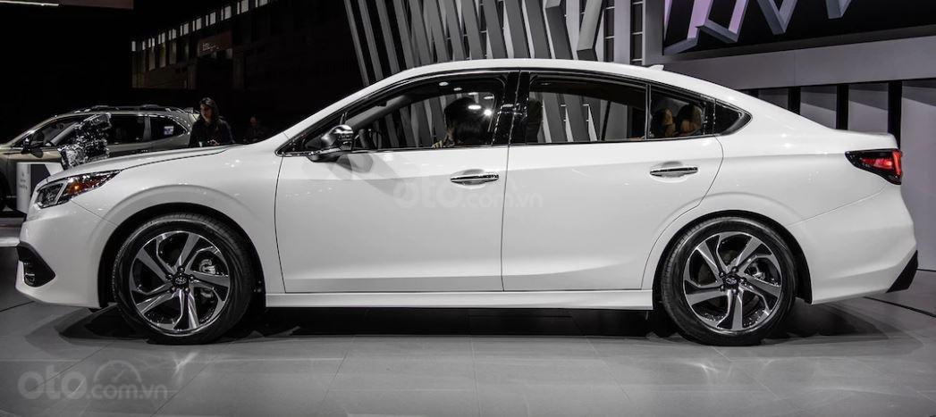 Subaru Legacy 2020 tinh chỉnh thân hình