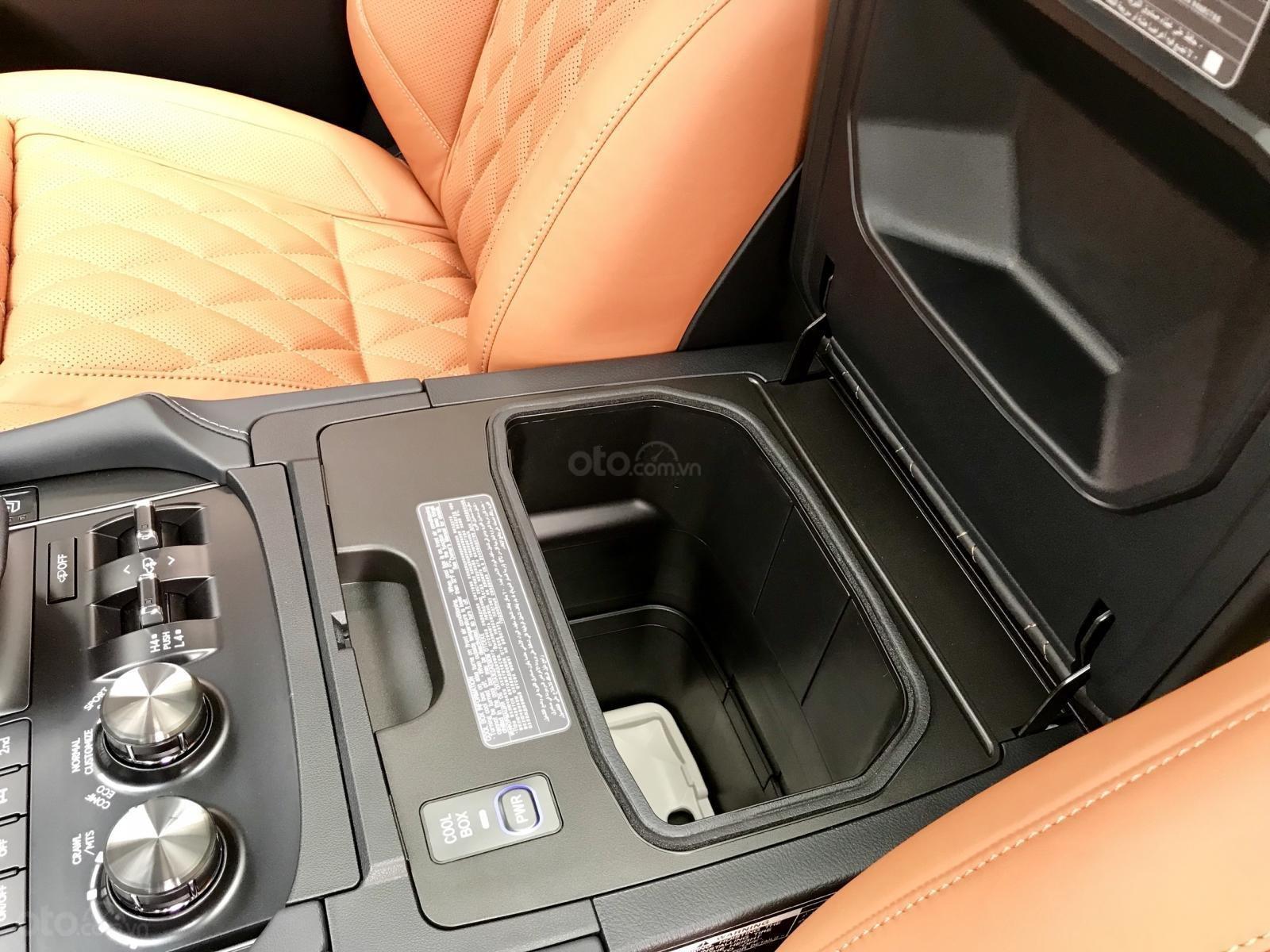 Bán xe Lexus LX 570S SuperSport MBS 4 ghế model 2019, màu đen, nhập khẩu nguyên chiếc-16