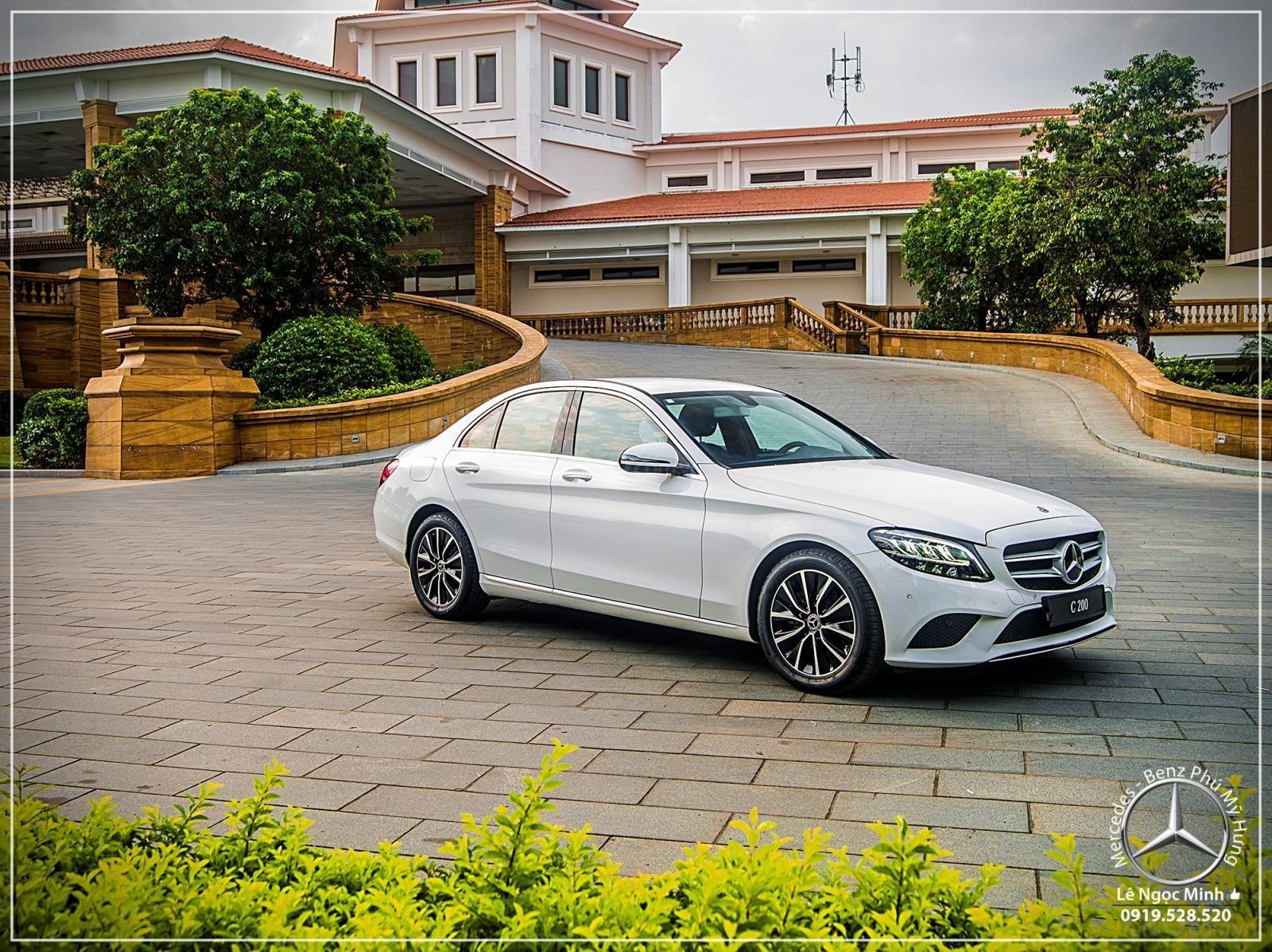 Mercedes Benz C200 new - Khuyến mãi khủng trong tháng 8 - Hỗ trợ 100% phí trước bạ - LH: 0919 528 520-1