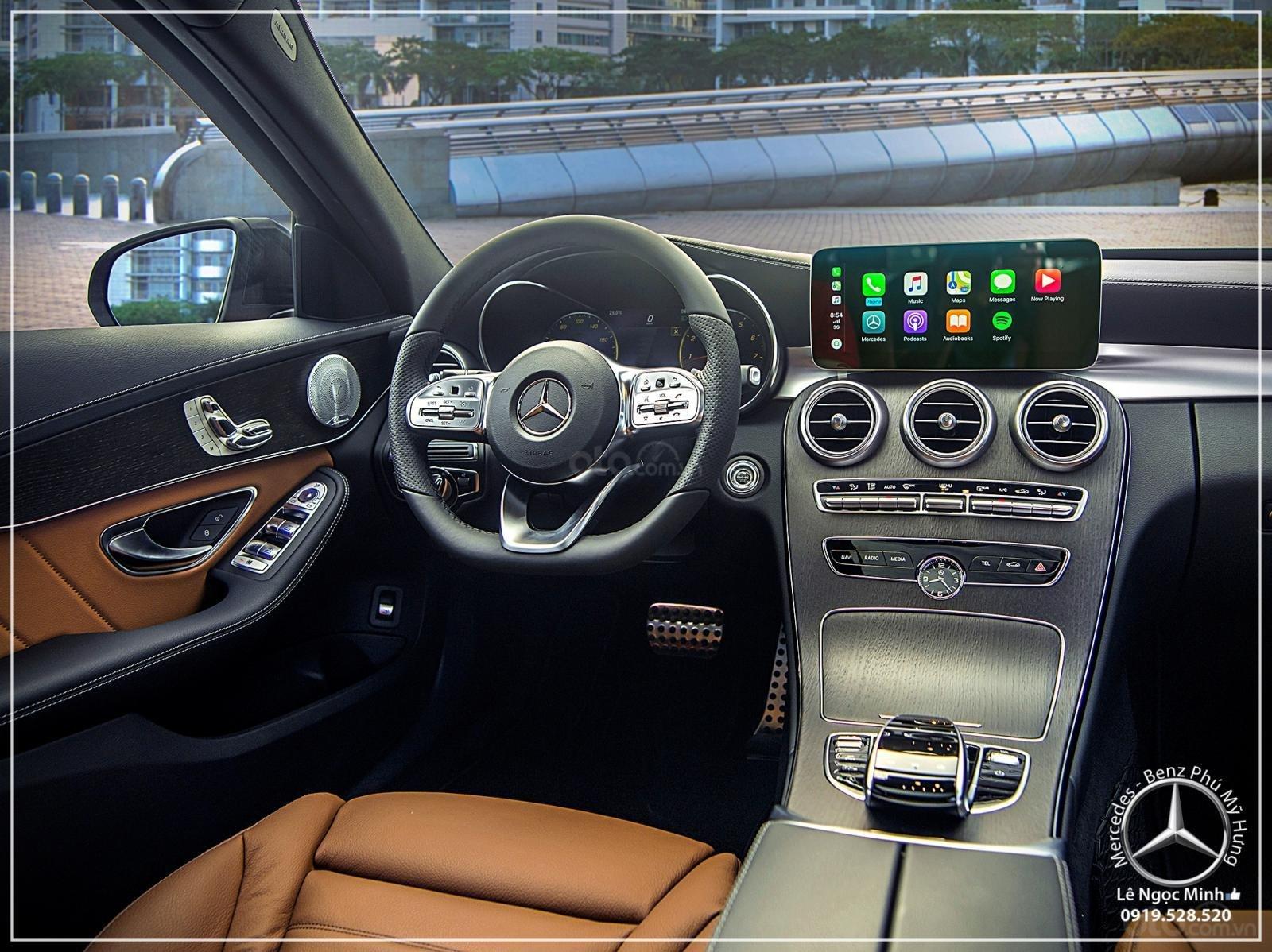 Mercedes-Benz C300 AMG Model 2020 - Ưu đãi đến 100% thuế trước bạ - hỗ trợ bank 80%, LH: 0919 528 520 (4)
