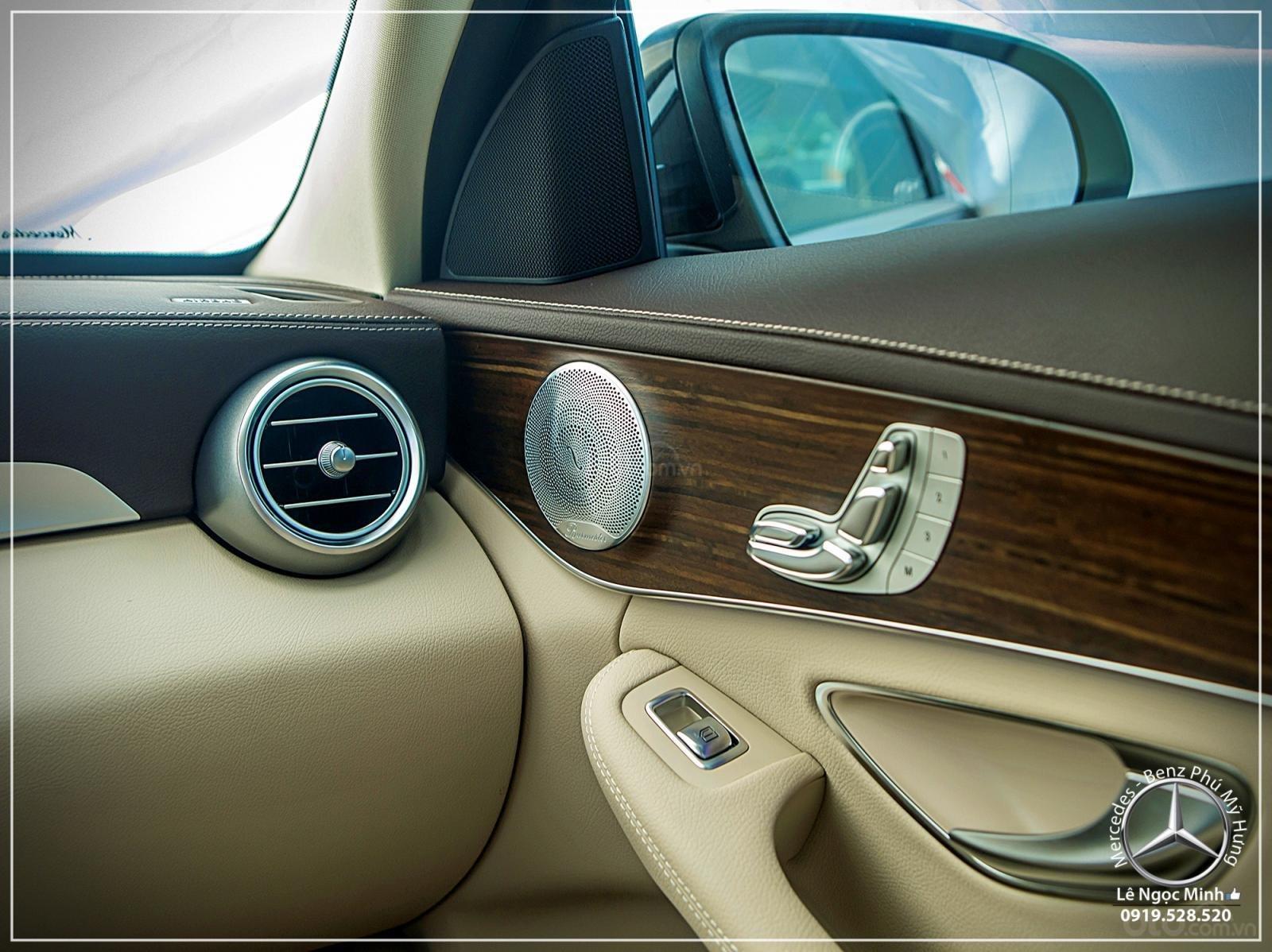 Mercedes-Benz C200 Exclusive - Hỗ trợ 100% phí trước bạ - Ưu đãi khủng trong tháng. LH: 0919 528 520-6