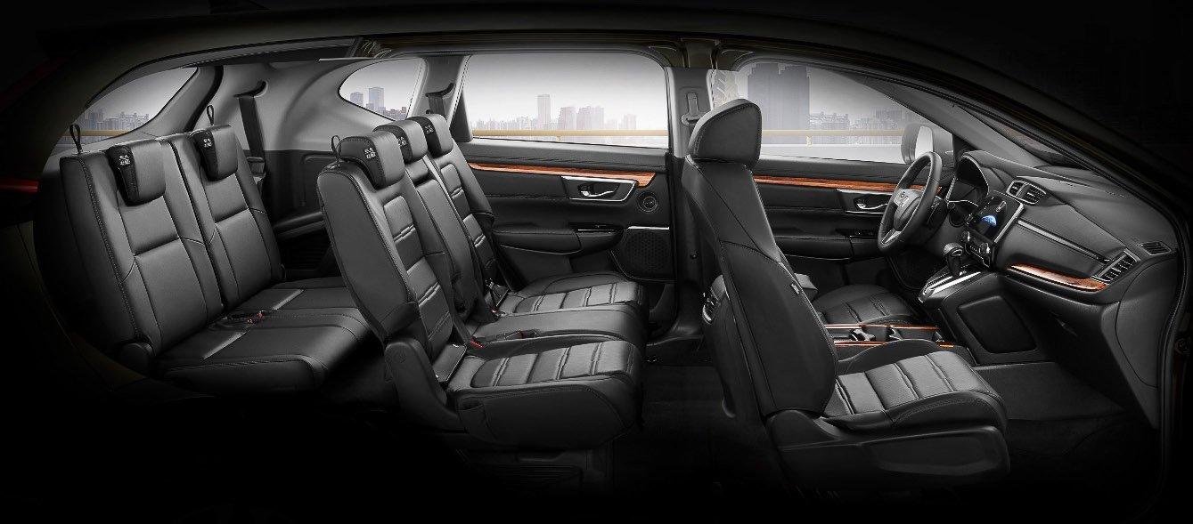 Đánh giá xe Honda CR-V 2018 bản 7 chỗ: Xe có 3 hàng ghế.