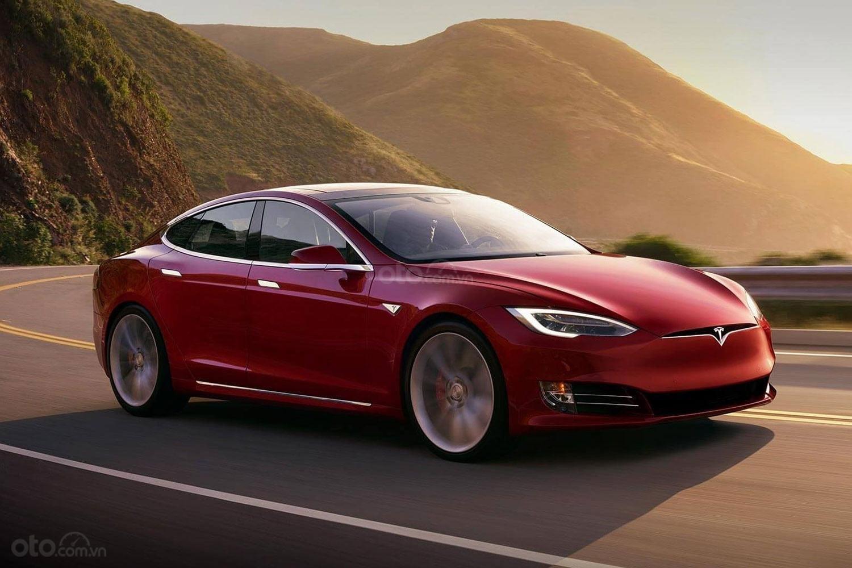 Tesla Model S P100D 2018 màu đỏ