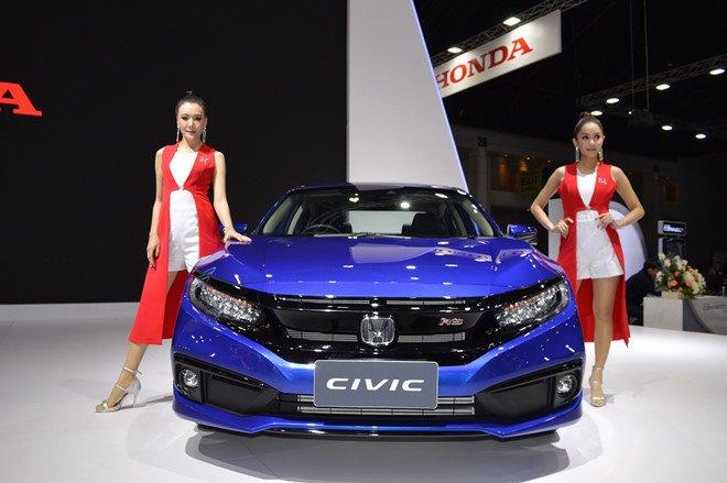 Soi trang bị 3 bản Honda Civic 2019 sắp bán ở Việt Nam a2