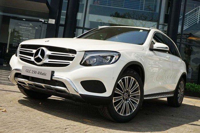 Giá xe Mercedes-Benz GLC 250 niêm yết.