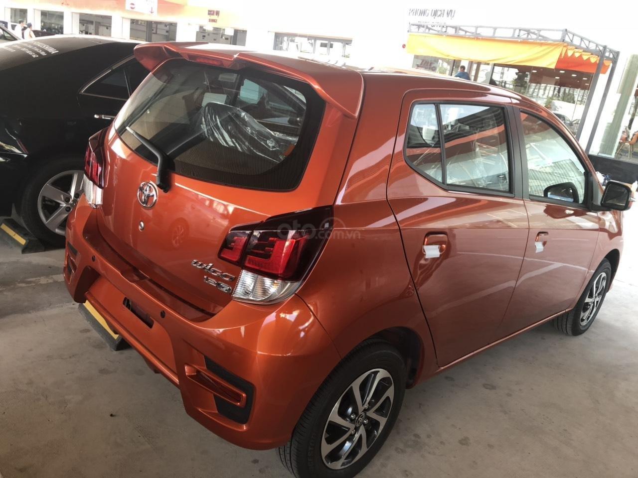 Bán xe Toyota Wigo 1.2 số sàn 2019, màu cam, nhập khẩu-3