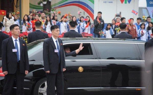 Mercedes-Benz S600 Pullman Guard hộ tống Kim Jong Un về Hà Nội 2