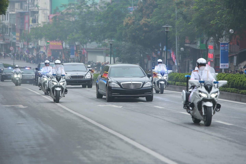 Mercedes-Benz S600 Pullman Guard hộ tống Kim Jong Un về Hà Nội 9