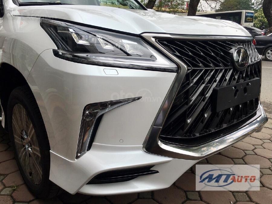 Bán Lexus LX570 sản xuất 2018, màu trắng, xe nhập-3