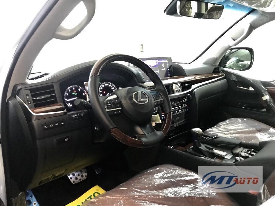 Bán Lexus LX570 sản xuất 2018, màu trắng, xe nhập-5