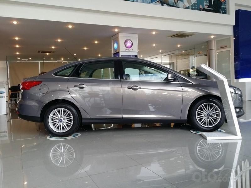Ford Focus Titanium, Sport 2019, màu xám. Giá 705tr + BHTV tại Ford Quảng Ninh-0