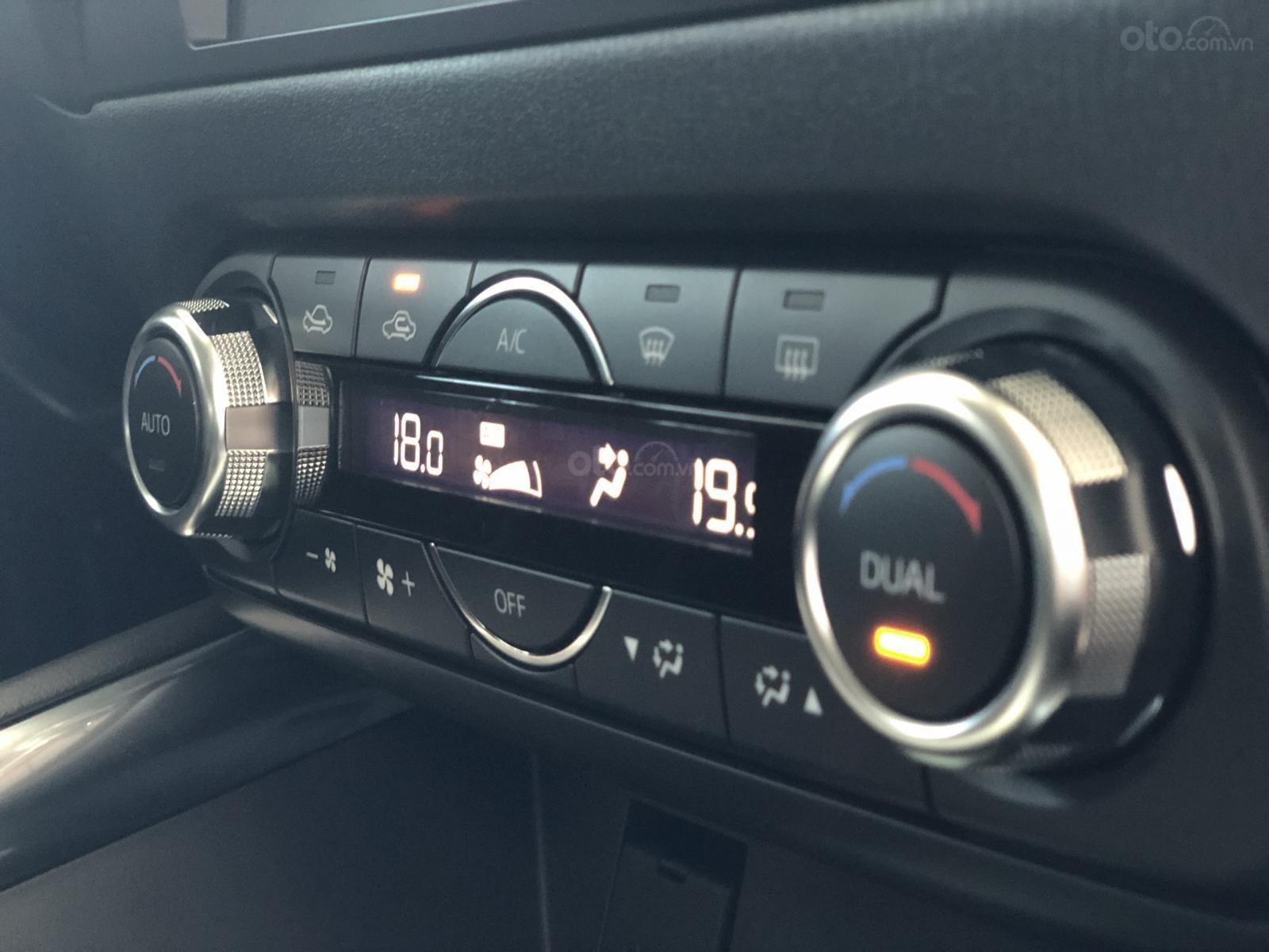 Nhanh tay sở hữu Mazda 6 2.0 Premium 2019 - Ưu đãi hấp dẫn - Hỗ trợ ngân hàng tối đa 80% giá trị xe-6