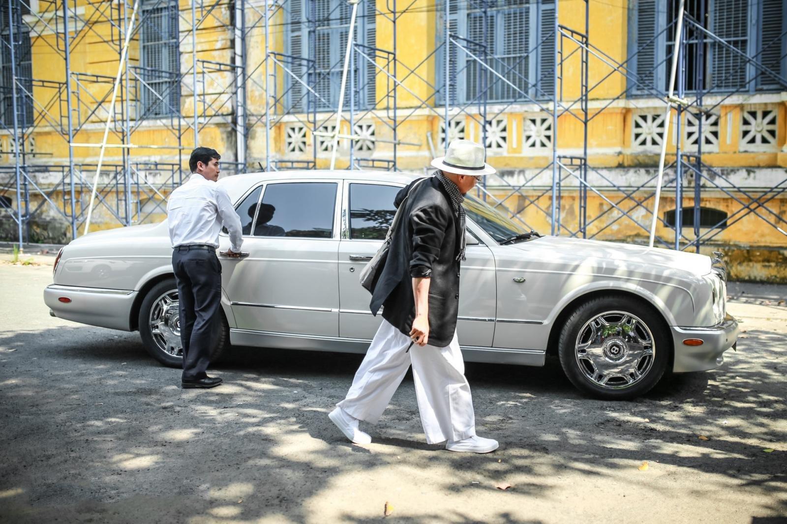 """Bỏ qua hơn 100 xe """"khủng"""", đại gia cafe Trung Nguyên chọn Bentley Arnage đời cũ để """"đi"""" ly hôn4aa"""
