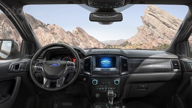 Khoang cabin Ford Everest 2019...