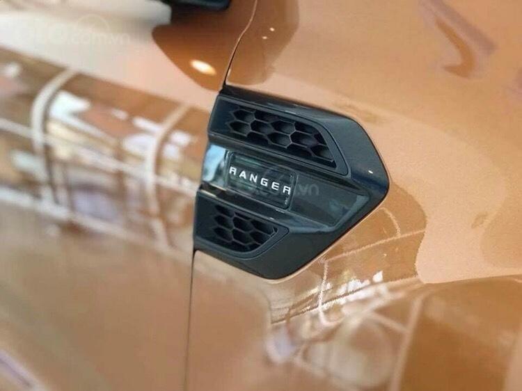 Bán Ford Ranger Wildtrak 2.0 Bi turbo, 918 triệu, giao xe ngay-1
