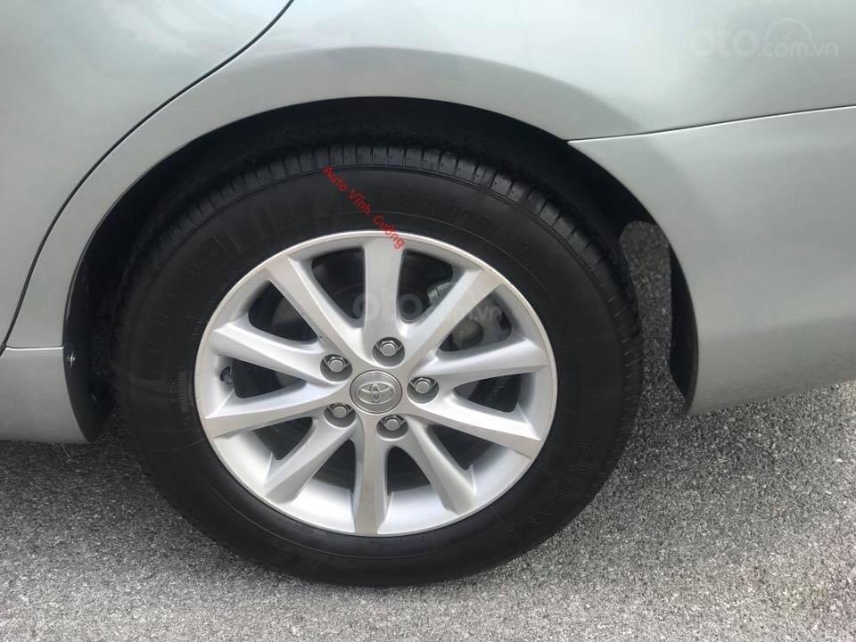 Cần bán xe Toyota Camry 2.4G đời 2011, màu ghi xám-16