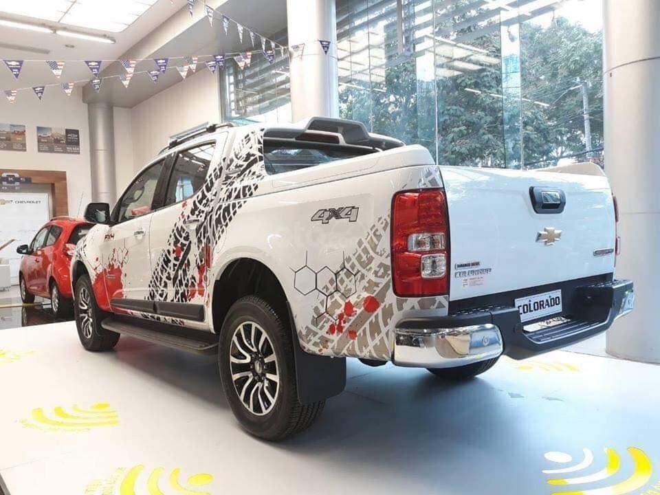 Bán xe Colorado (2.5VGT) - Số tự động 2 cầu, hỗ trợ giá đặc biệt, trả góp 90% - 95tr lăn bánh - đủ màu LH: 0961.848.222-5