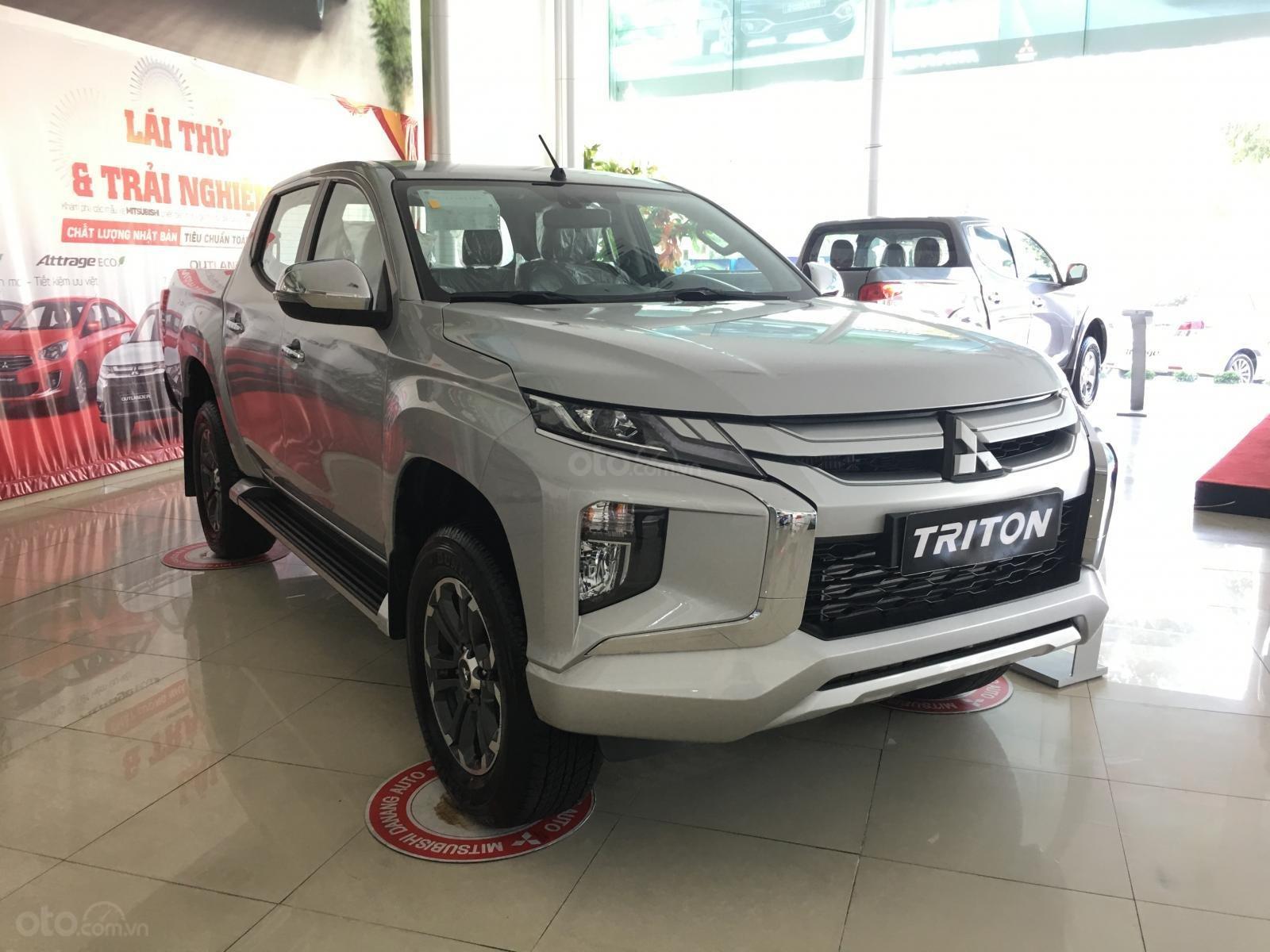 Triton Đà Nẵng, Mitsubishi Triton 2019, màu bạc, nhập khẩu nguyên chiếc, xe giao ngay. Liên hệ 0931911444-0