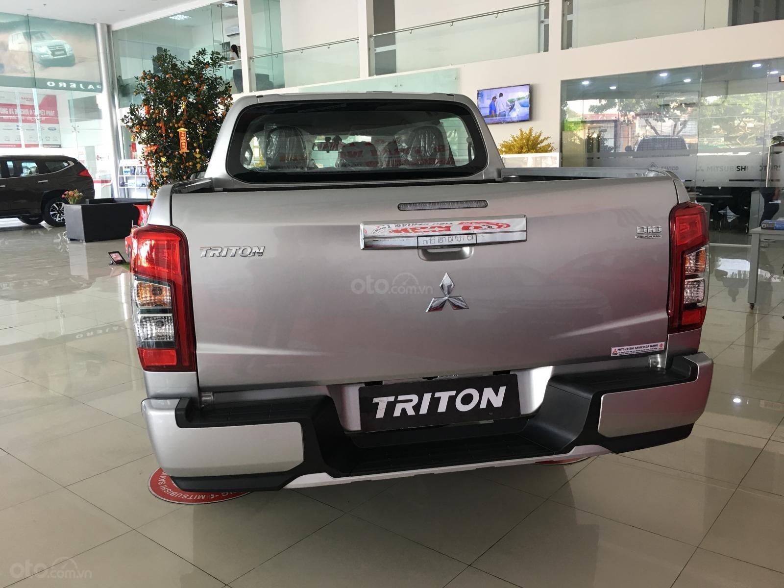 Triton Đà Nẵng, Mitsubishi Triton 2019, màu bạc, nhập khẩu nguyên chiếc, xe giao ngay. Liên hệ 0931911444-3