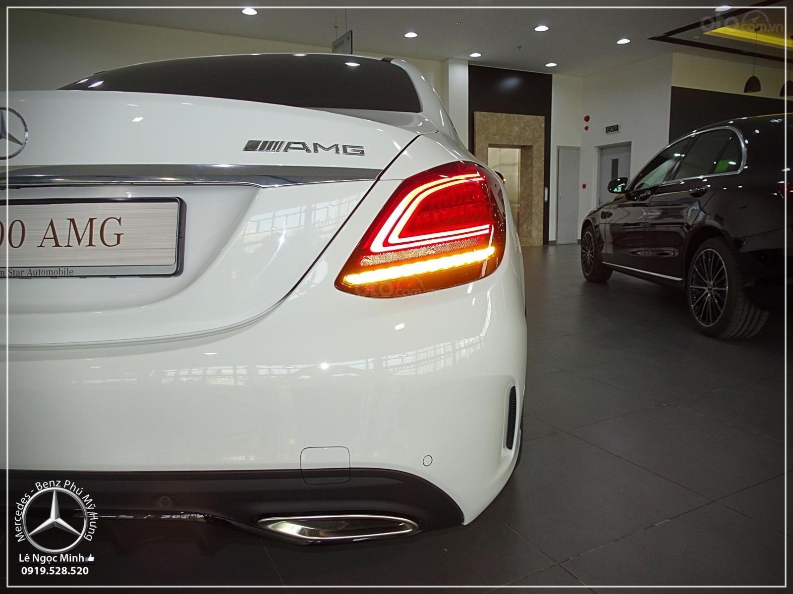 Mercedes-Benz C300 AMG model 2019 - Hỗ trợ Bank 80% - KM đặc biệt - Xe đủ màu giao ngay - LH: 0919 528 520-2