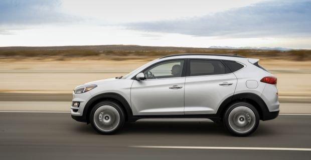 Hyundai Tucson nâng cấp tại Việt Nam tăng giá 5% lên mức bao nhiêu? a4