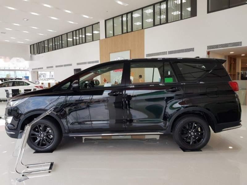 Bán ô tô Toyota Innova Venturer 2019, màu đen, xe nhập, giá chỉ 848 triệu-0