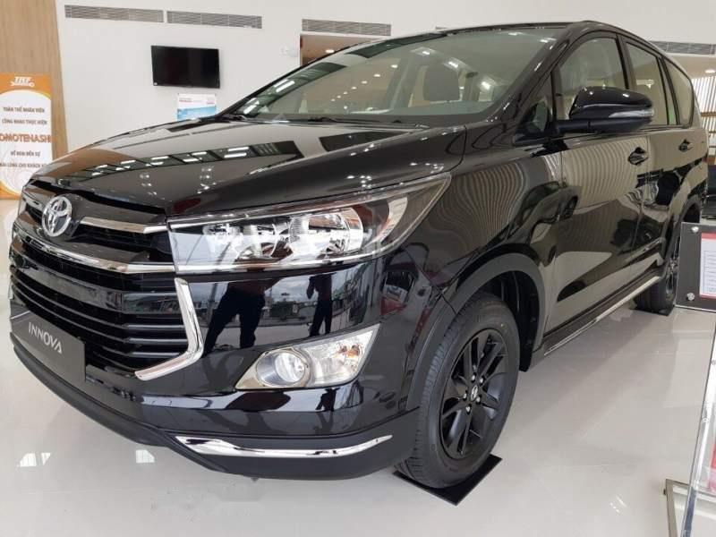 Bán ô tô Toyota Innova Venturer 2019, màu đen, xe nhập, giá chỉ 848 triệu-1