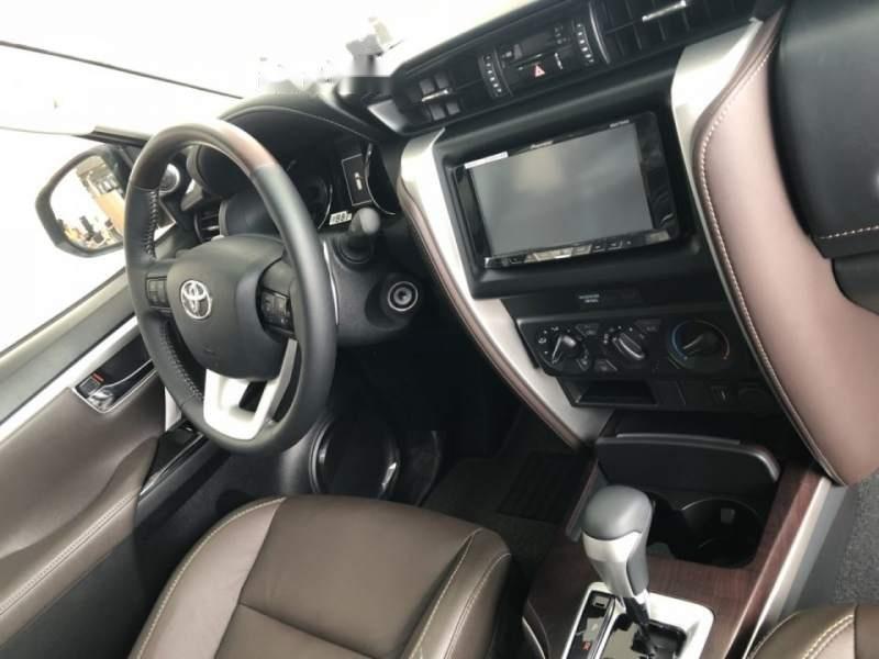 Bán Toyota Fortuner 2.4G 2019, màu bạc, nhập khẩu  -3