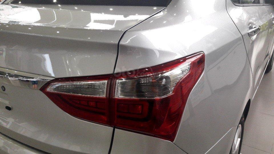 Bán Hyundai Grand i10 Sedan AT full, giao xe với 135tr (6)