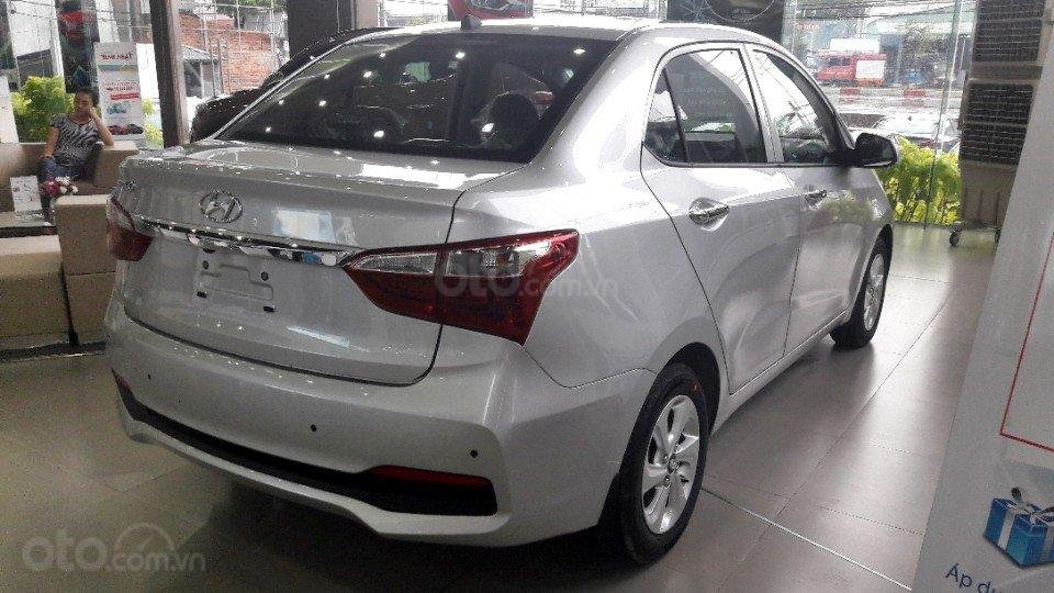 Bán Hyundai Grand i10 Sedan AT full, giao xe với 135tr (2)